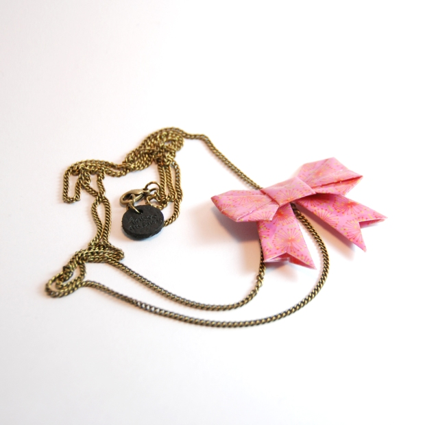Collier Origami Noeud Fraises au sucre Blog de Joy